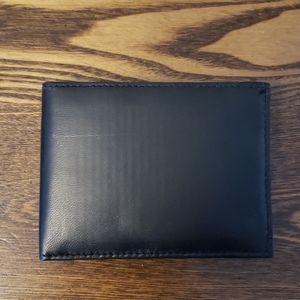 Soft Leather RFID Blocking Mens Wallet - Black